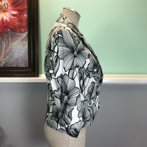 AGB Jackets & Coats - AGB Black and White Floral Print Blazer Sz 8